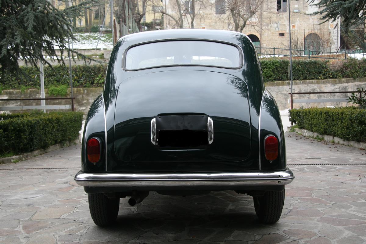 Img on Alfa Romeo Spider 124
